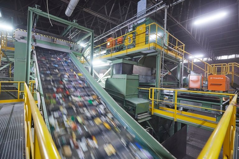 Sorting for recycling-main_i.jpg