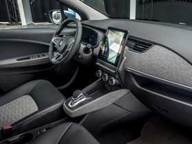 Interior of Renault Zoe EV with the new recycled material.jpg