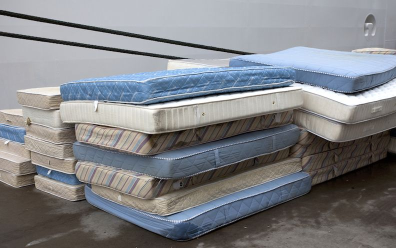 800-mattress-old-pileistock-2017-copy.jpg
