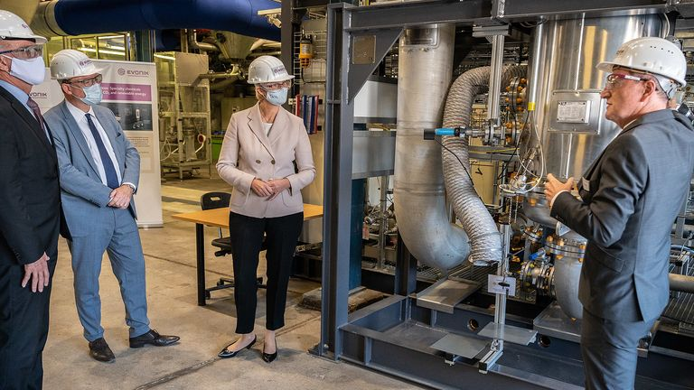 Evonik and Siemens Energy put pilot plant for sustainable chemicals into operation