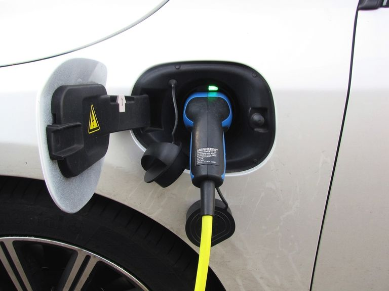 Lightening up vehicle batteries with carbon fibre